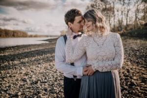 Hochzeit Standesamt Bonn Rheinufer Brautpaar Shooting